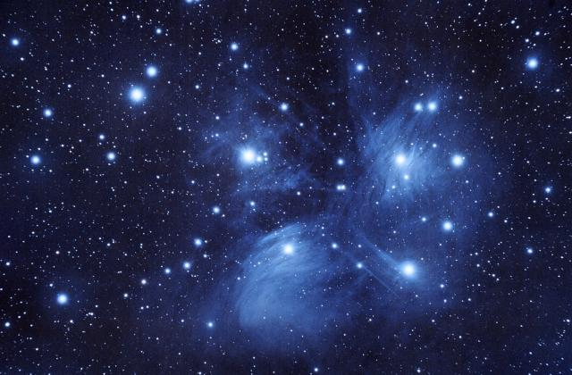 M 45 The Pleiades - The Seven Sisters
